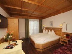 Hotel & Bauernhof Hettlerhof***