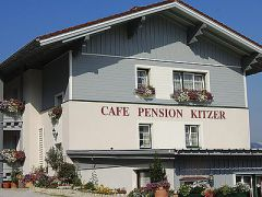 Pension Kitzer***
