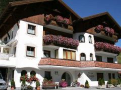 Hotel-Garni *** Kardona