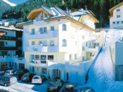 Hotel Garni ****Lamtana