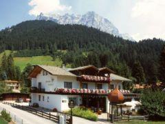 Hotel-Pension Halali