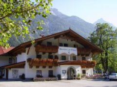 Gasthof- Ferienwohnungen Zur Brücke