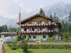 Gasthof Pension Golfvilla